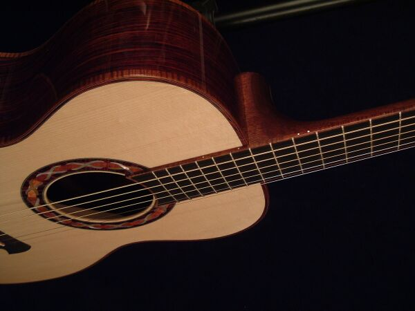omnowl-Guitar-Luthier-LuthierDB-Image-7
